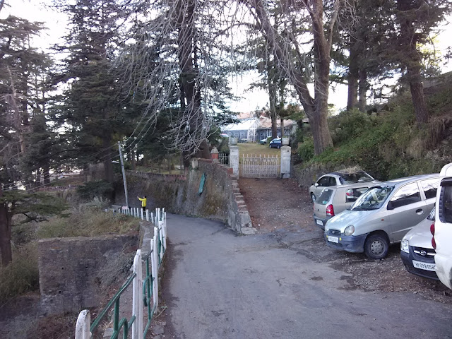 way to jakhu temple