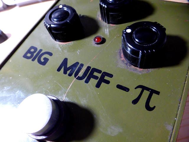 Sovtek Big Muff Bubble Font