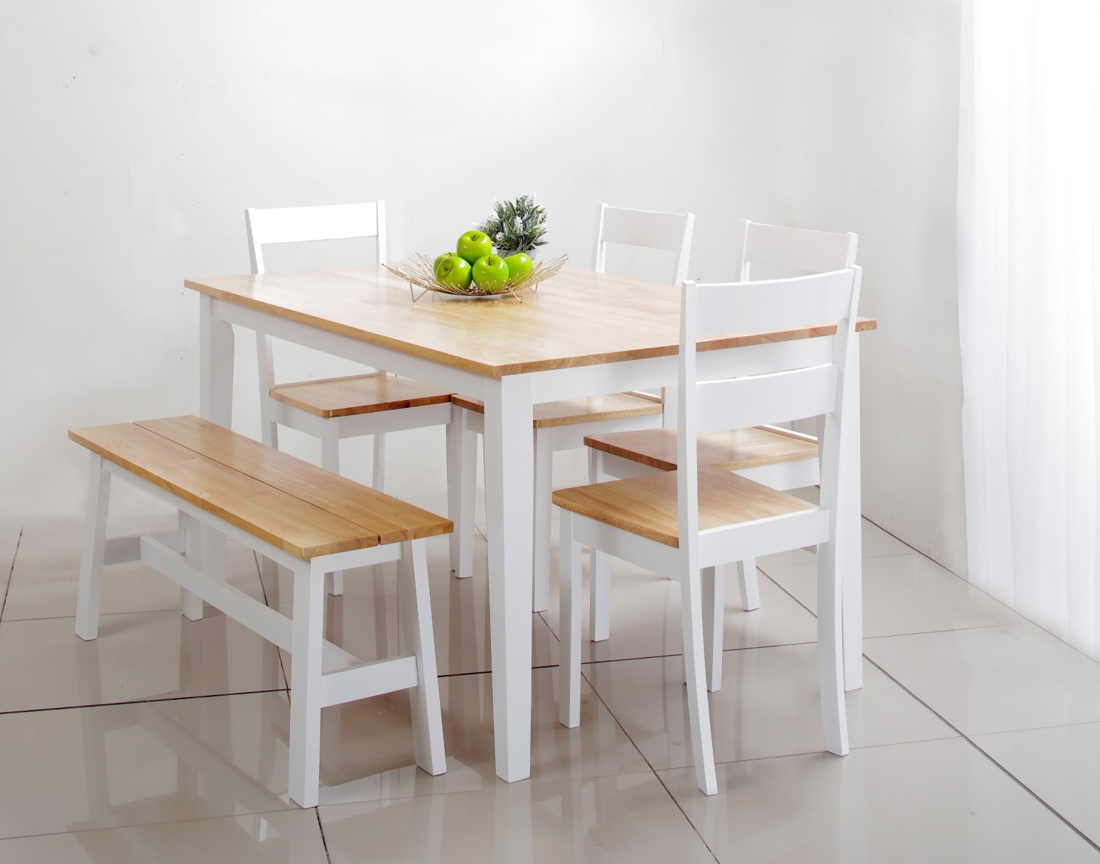 Charmant Dining Set