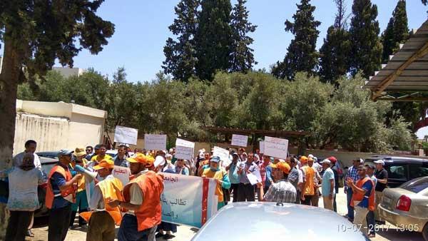 مكناس:وقفة احتجاجية للجامعة الوطنية لموظفي التعليم بمديرية مكناس احتجاجا على الحركة الانتقالية