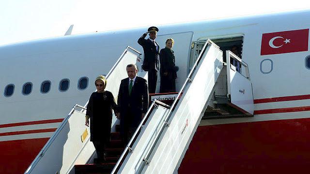 Προσγειώθηκε στην Αθήνα το αεροσκάφος του Ερντογάν (βίντεο ζωντανή μετάδοση)