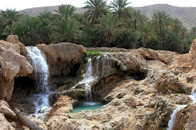 the pleasant Geno hot spring is located along the way of Bandar Abbas to Sirjan in Hormozgan Province.