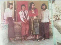 Gus Makshum Pagar Nusa, Rambut Gondrongnya Tidak Mempan Dipotong dan Mengeluarkan Api