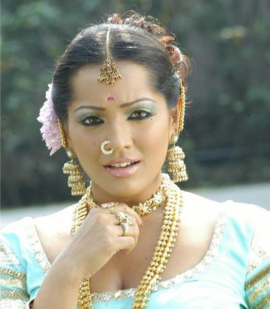 Meghna Naidu Nude Photos 91