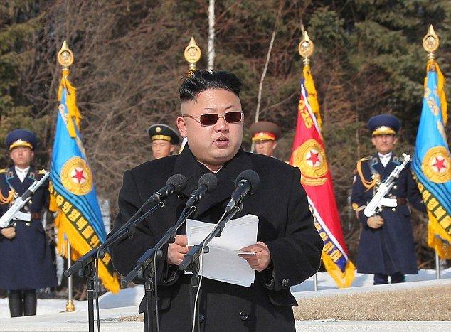 Marechal Kim Jong-un nega reunião de Donald Trump Jr. com advogada russa, o marechal também invocou o direito de ficar calado perante o Congresso dos Estados Unidos