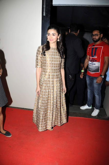 Alia Bhatt Looks Gorgeous At The Annual Central Excise Day Celebration in Mumbai