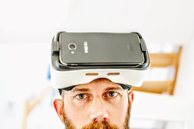 Etwas zwischen Cardboard und Daydream. VR mit dem Alcatel Idol 4S.
