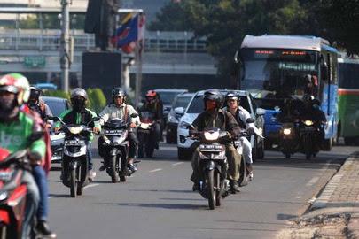 10 Tips Anti Ngantuk saat mengendarai Sepeda Motor