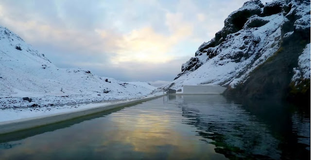 Seljavallalaug-geothermal-pond-southern-iceland-visit