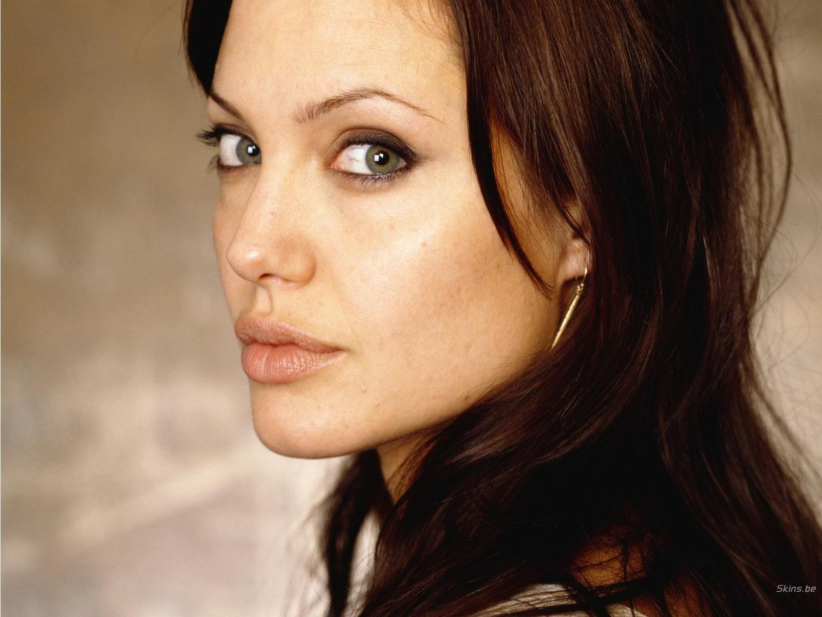Angelina Jolie: Sexy Wallpapers: Angelina Jolie Sexy Images