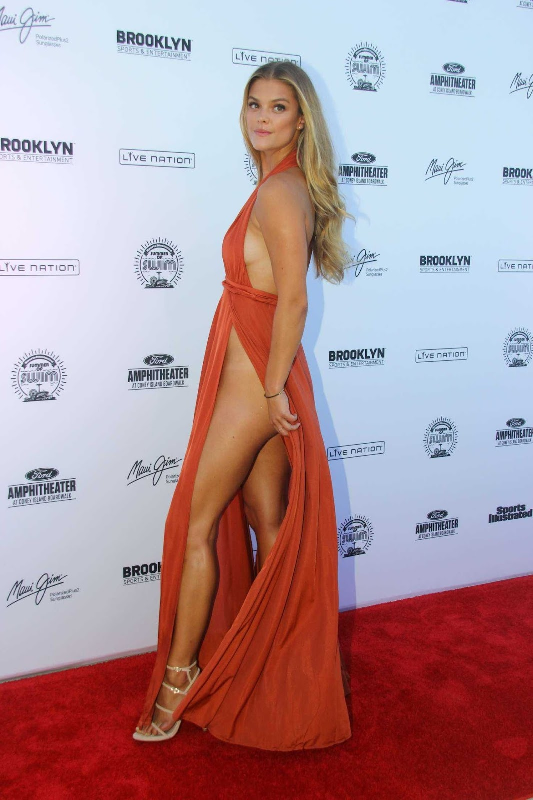 Nina Agdal goes sans underwear at the 2016 Sports Illustrated Summer of Swim Concert