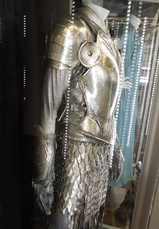 Alice in Wonderland White Knight armour