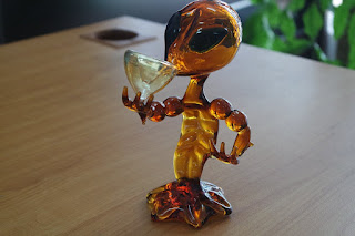 Glass Pipe Alien Design Used For Smoking Weed or Tobacco