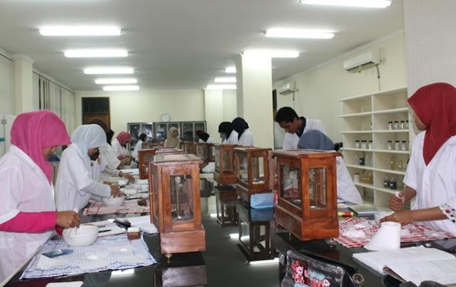 Fakultas Jurusan Farmasi Terbaik di Indonesia