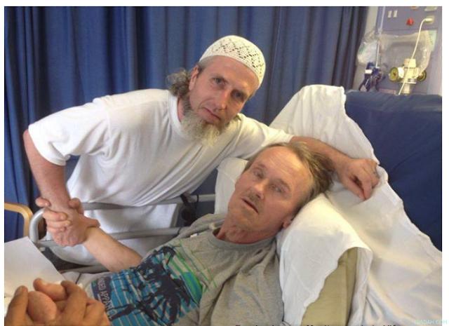 Penghina Islam yang Terkena Penyakit Kanker Ini, Dijenguk Oleh Ratusan Muslim Di Dunia