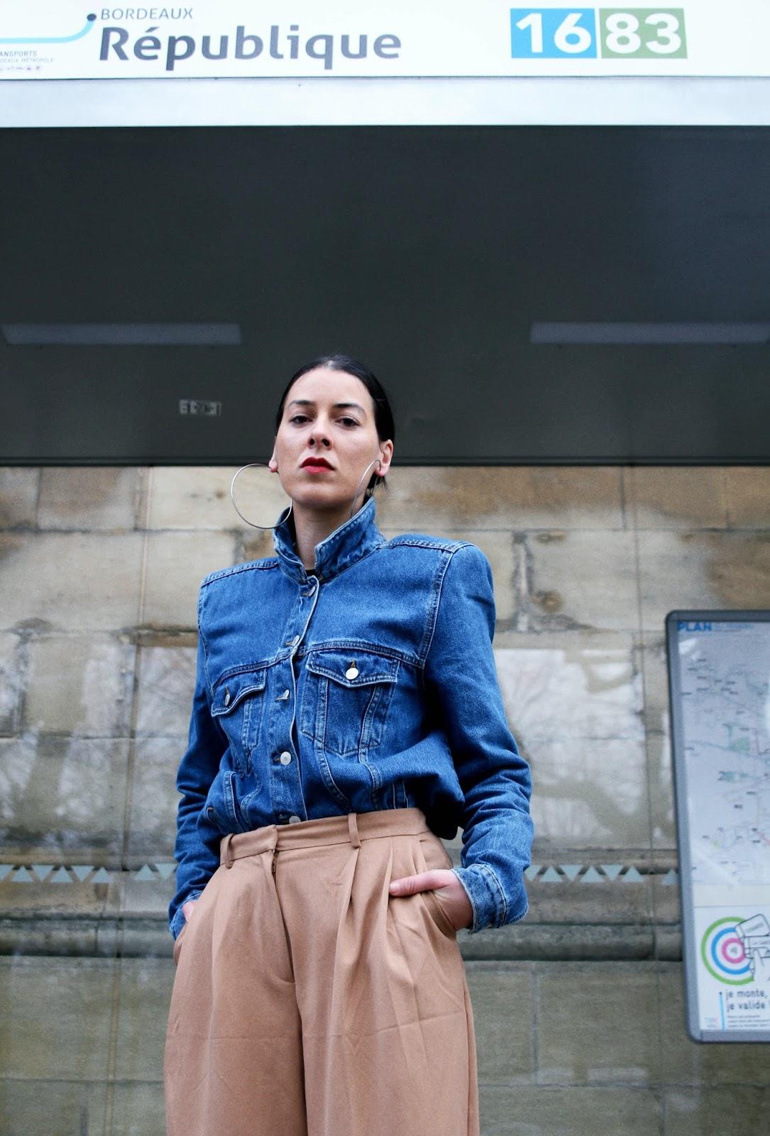 Veste en jean inspiration balenciaga et pantalon oversize idée de look hiver/ printemps