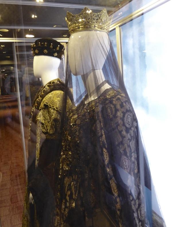 Queen Isabella costume Assassins Creed