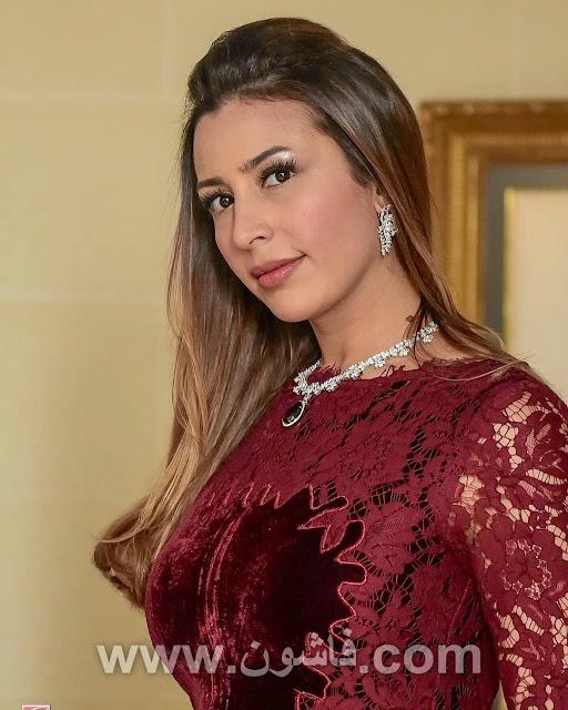 """فساتين جنات, فستان جنات النبيتى  نشرت المطربة المغربية جنات عبر حسابها الشخصى بموقع التواصل الاجتماعى """"انستجرام""""، مجموعة صور لها بالفستان بهذا الفستان الرائع"""