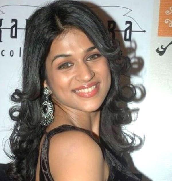 Shraddha Das Hot Pics In Black Transparent Saree