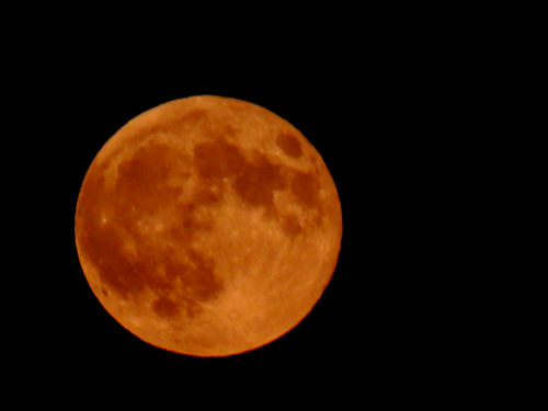 deep orange full moon