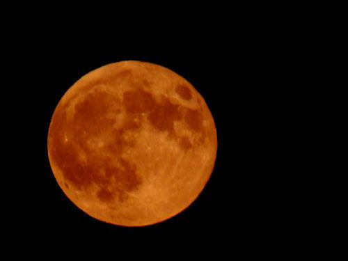 deep orange full moon