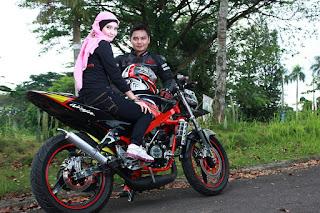 Epi Friezta Dewi Hasibuan & Cecen Core : Pre-wedding motor Kawasaki Ninja