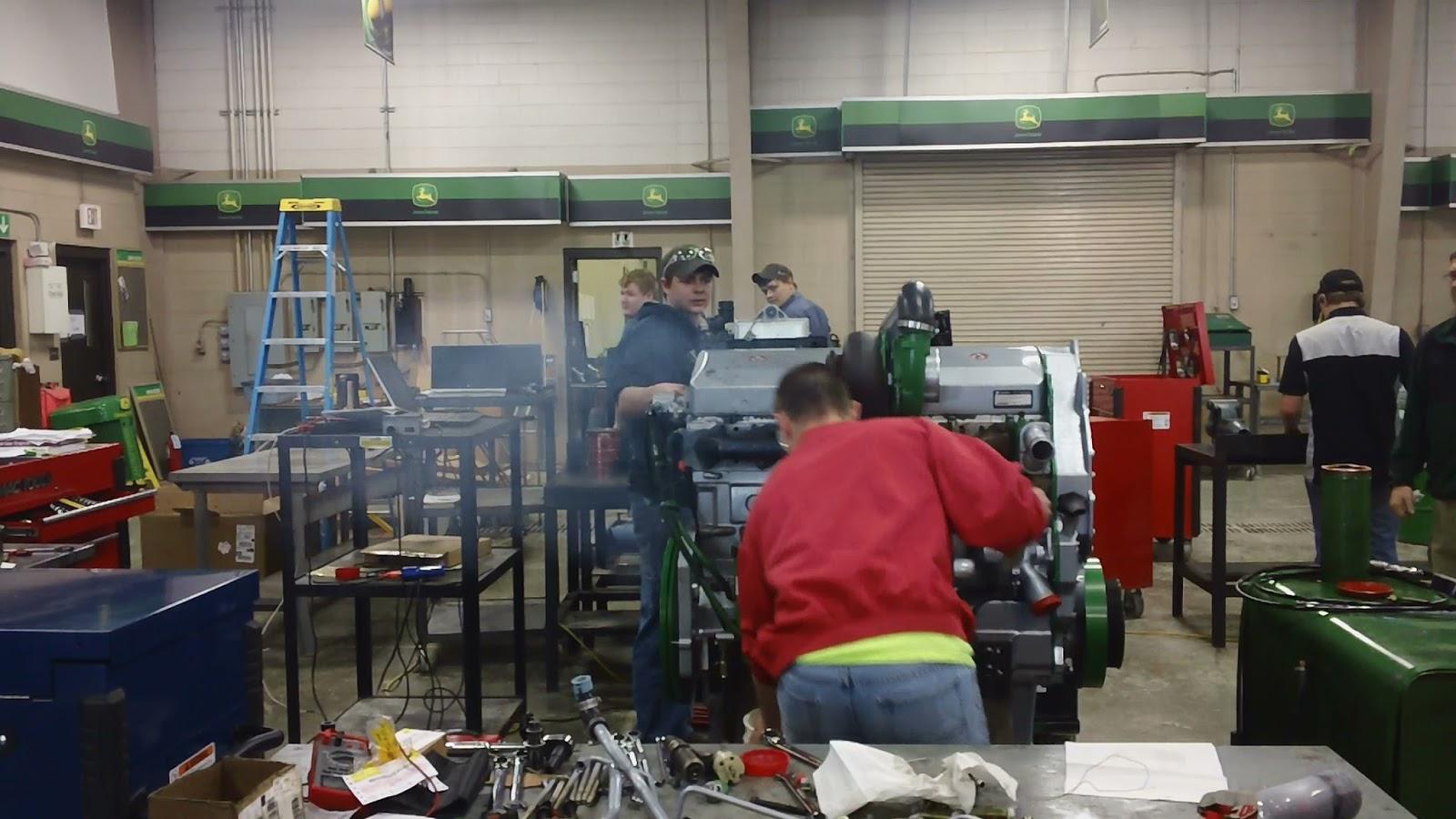 John Deere TECH Calmar: Trenton and Gabe 12 5L
