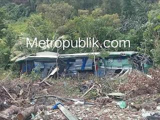 Bus ALS Masuk Jurang Menewaskan 3 orang penumpang 4 orang Sekarat dan 25 luka-luka