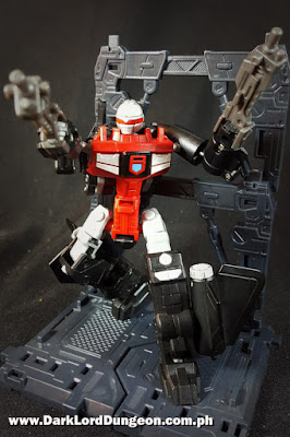 Machine Robo Series 06 Blackbird Robo Snoop Gobot Review