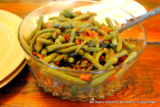 Fresh Green Beans With Apple Dressing at Miz Helen's Country Cottage