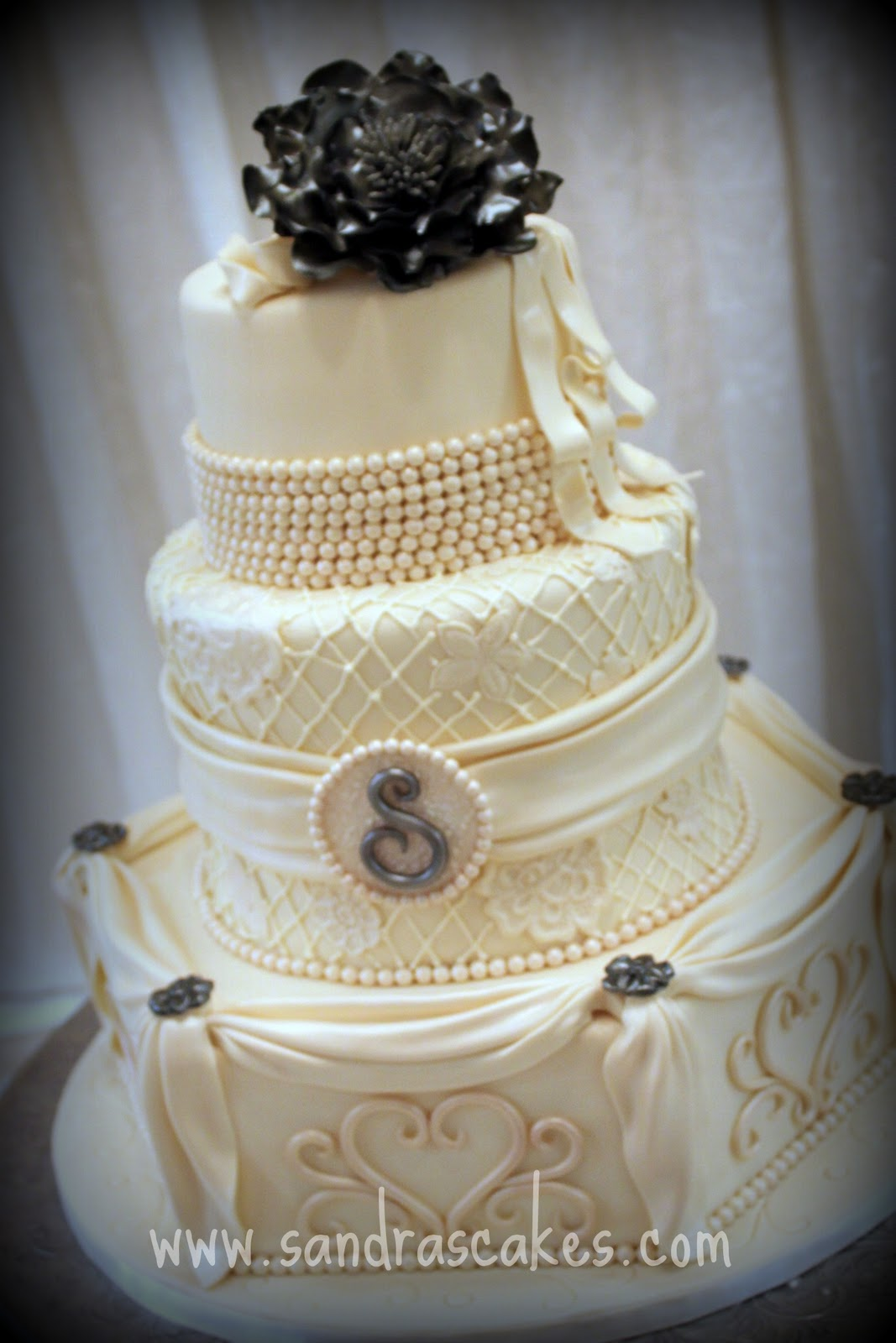 stunning wedding cakes stunning vintage wedding cake 20552