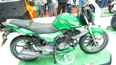 2016 Benelli TNT 15 right side view