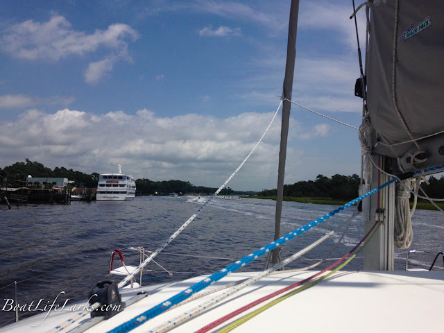 Boating traffic on the ICW