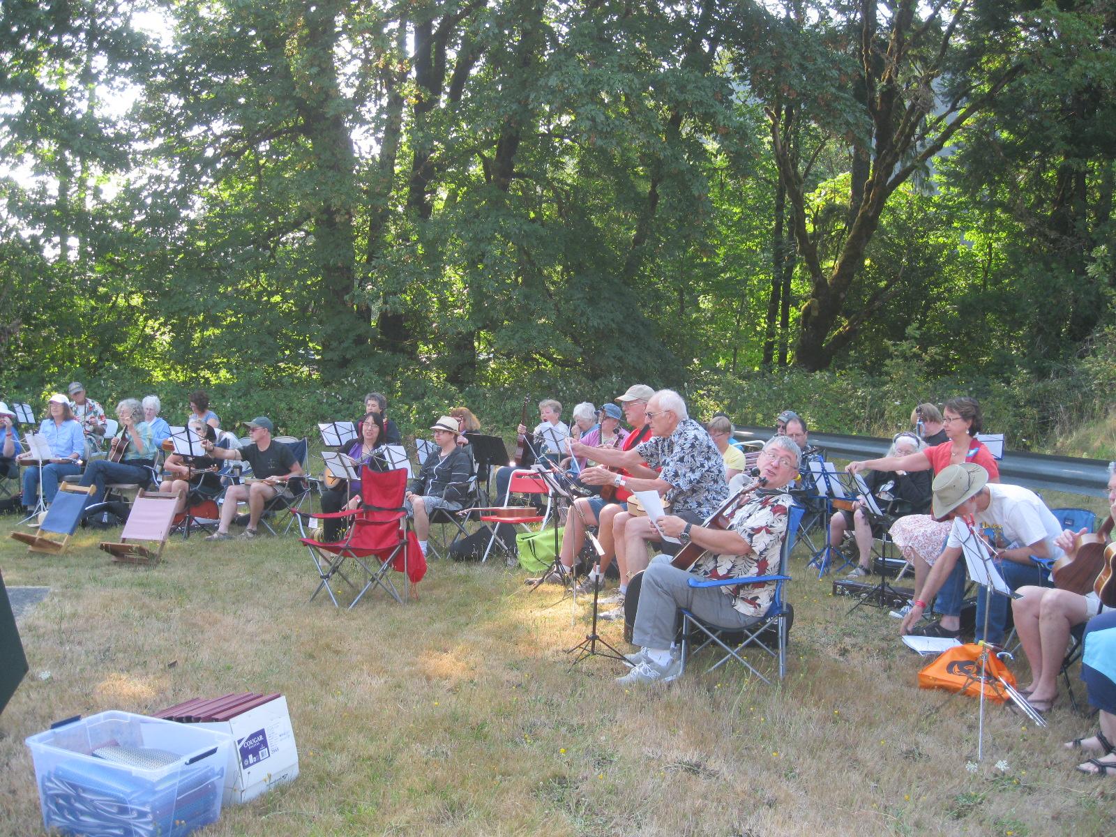 folding chair uke chords elegant dining chairs ontario ukulele strummers
