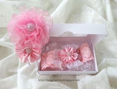 Tiara e faixa rosa