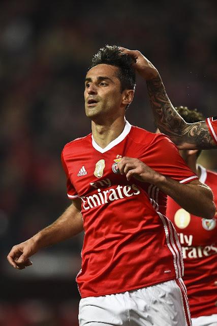Benfica recusou proposta chinesa por Jonas (Foto: PATRICIA DE MELO MOREIRA/AFP)