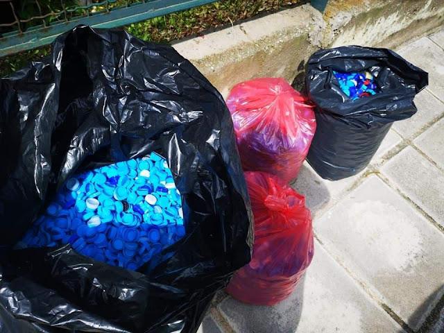 Ο Πολιτιστικός Συλλογος Τολού μαζεύει πλαστικά καπάκια για την αγορά αναπηρικών αμαξιδίων