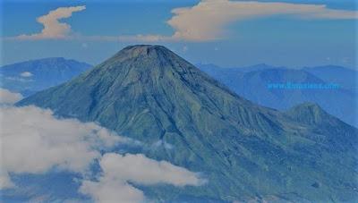 gunung slamet tertinggi di Indonesia