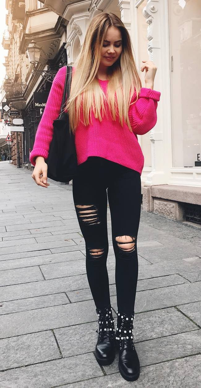 comfy fall outfit / knit sweater + bag + black rips + boots