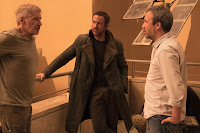 Blade Runner 2049 Harrison Ford, Ryan Gosling and Denis Villeneuve Set Photo 1 (13)