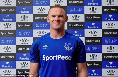 Official: Wayne Rooney signs for Everton