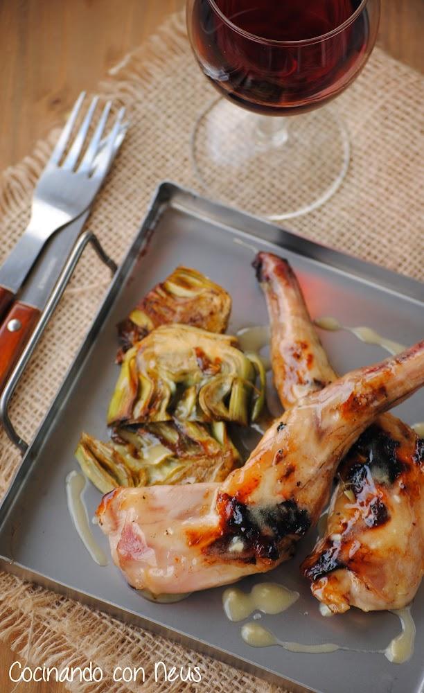 Conejo a la brasa con alcachofas y all i oli de miel-cocinando-con-neus