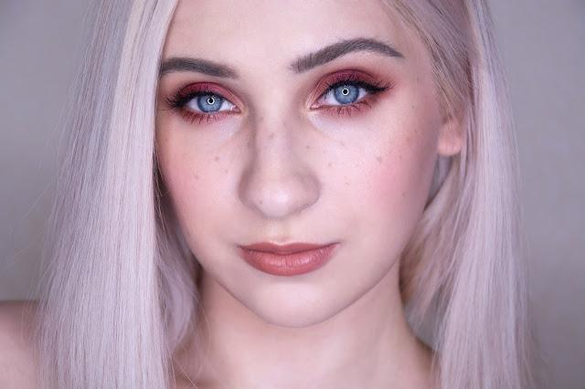 макияж с коричневой помадой