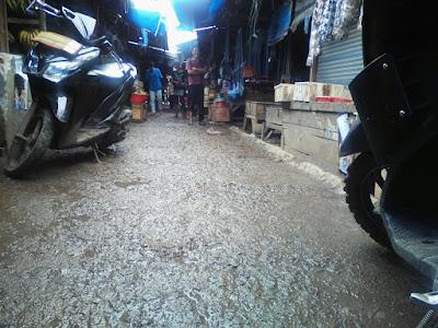 Pemilik Lapak Keluhkan Keamanan & Kebersihan  Pasar Pasir di Kecamatan Telagasari