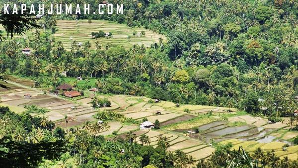Pemandangan di Pura Bukit Puncak Sakti Bontihing
