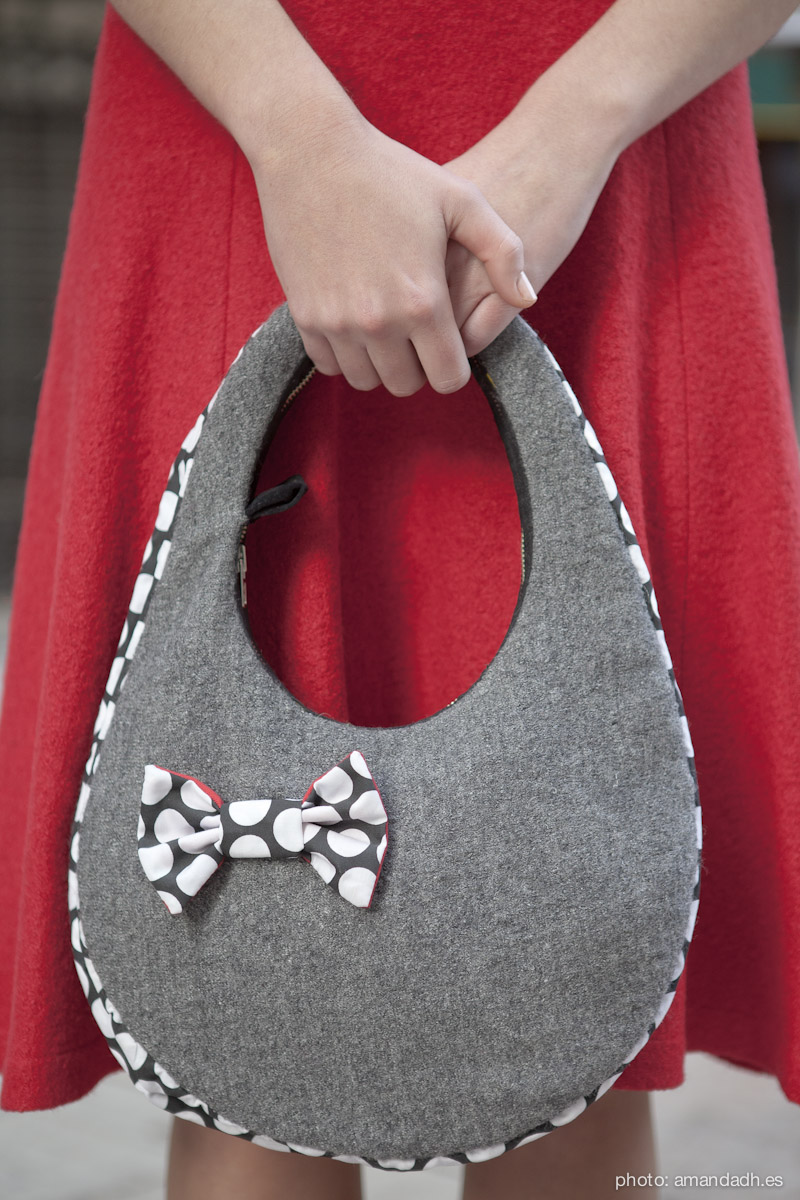Grey wool boucle bag - Senorita Martita FALL-WINTER street style by Amanda Dreamhunter - made in Spain