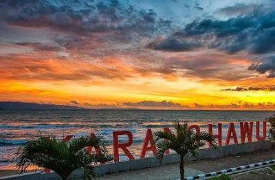 Pantai kArang Hawu Sukabumi Objek Wisata Pantai di Jawa Barat Yang Paling Bagus Buat Liburan