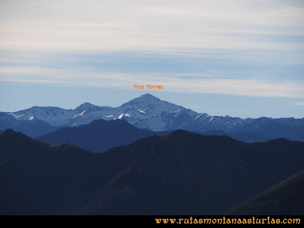 Pico Mua PR AS 46 Desde el pico Múa, vistas del pico Torres