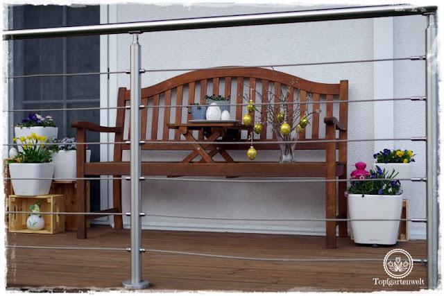 Gartenblog Topfgartenwelt Topfgarten + DIY mit Knagglig (Kiste) und Töpfen viel Platz auf kleinem Raum schaffen - Blumendeko mit Hornveilchen und Bellis passend für den Frühling und Ostern: Terrasse für den Frühling gestalten