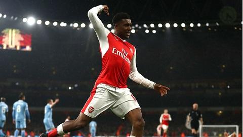 Dù mới 20 tuổi nhưng Iwobi thường xuyên có mặt trong đội hình chính của Arsenal